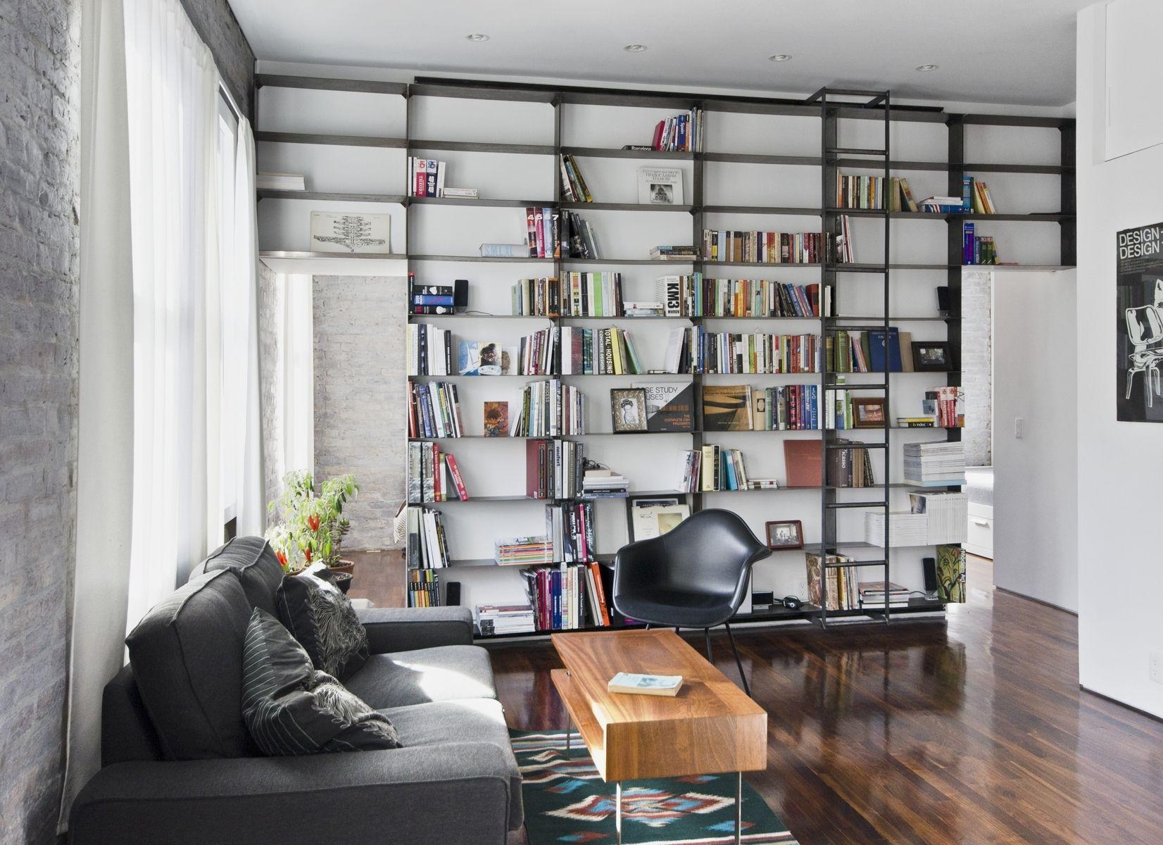 کتابخانه چوبی مدرن
