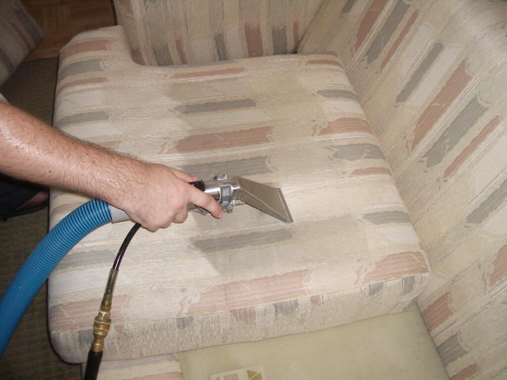 آیا بخارشور مبل را تمیز می کند؟