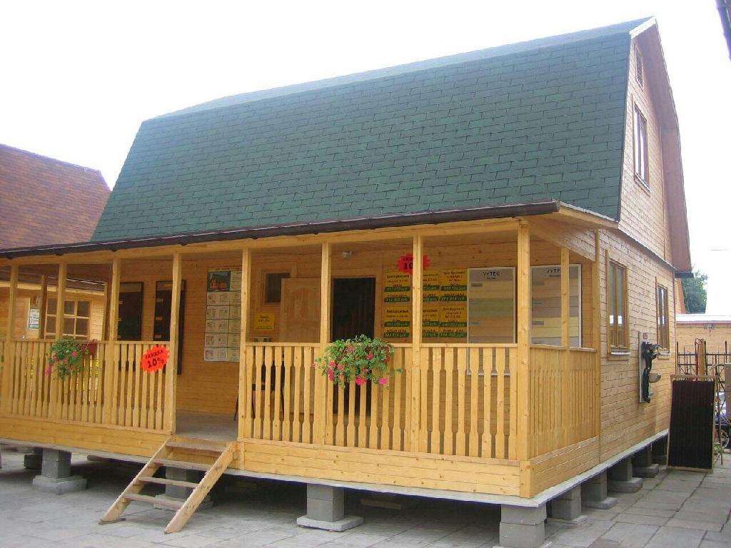 خانه چوبی ساده