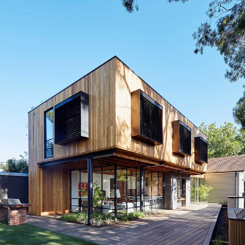 انواع چوبها در طراحی نمای خارجی خانههای چوبی لوکس