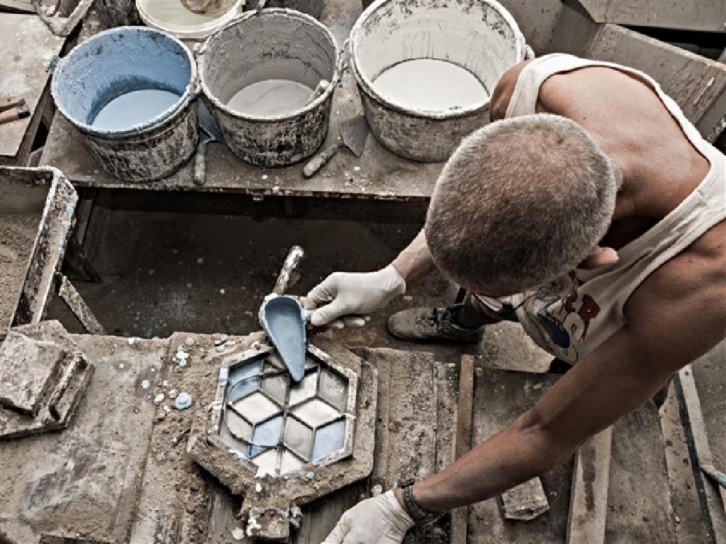 ساخت کاشی سنتی چگونه صورت میگیرد؟